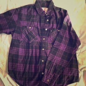 Medium Levi woman's jeans flannel button up